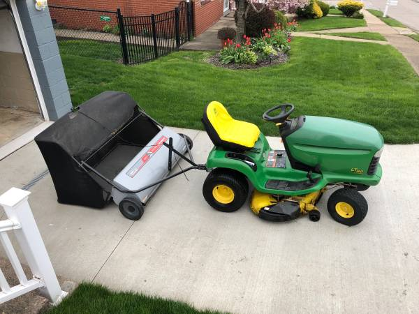 Photo John Deere Lawn Tractor with yard sweeper - $1250 (Weirton)