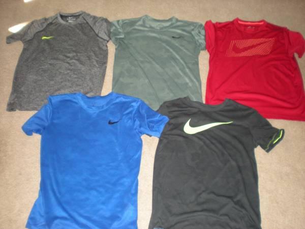 Photo Nike Fila Old Navy mens athletic shirts - $20 (cranberry township)