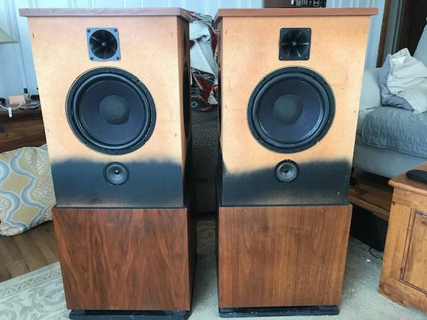 Photo RTR 280DR Vintage Tower Speakers VERY RARE 4 10quot Woofers 10 Drivers To - $800 (Sistersville)