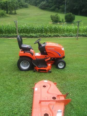 Photo Simplicity Lawn Tractor - $6,250 (woodsfield)