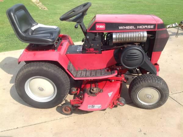 Photo Toro Wheel Horse 416H Hydrostatic Garden Tractor - $800