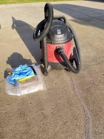 Photo Wet Dry Vac- Chicago Elec wbags - $20 (Harrison City)