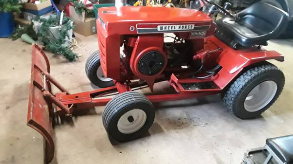 Photo Wheel Horse lawn tractor - $475