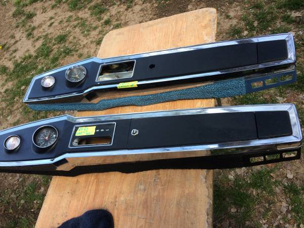 Photo 196566 Impala SS automatic consoles - $400 (Valley center)