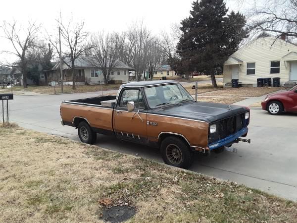 Photo 1986 Dodge Ram 150 - $2,000 (El Dorado)