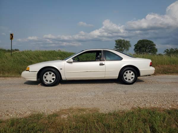 Photo 1995 Ford Thunderbird LX - $2,500 (Wichita)