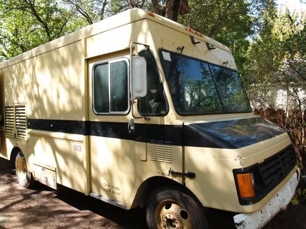 Photo 1999 Step Van-Workhorse - $5,500 (west wichita)