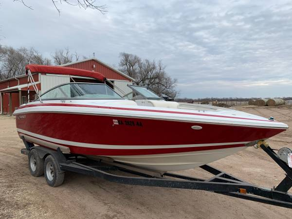 Photo 2000 Cobalt 206 ski boat - $16500 (Halstead)