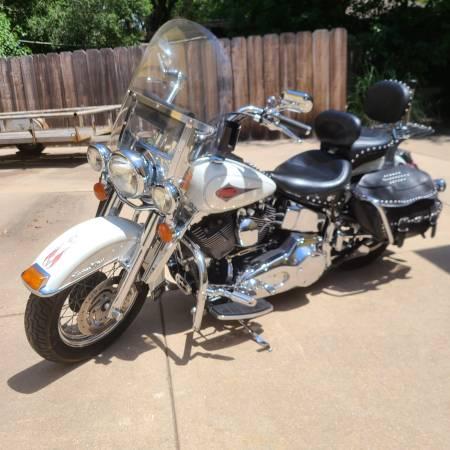 Photo 2000 Heritage Softail Harley Davidson - $6,250 (Wichita NW)