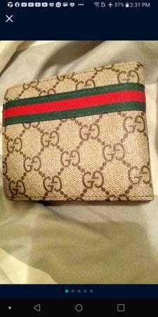 Photo Brand New Gucci Wallet Serial 60223 - $300 (Wichita)