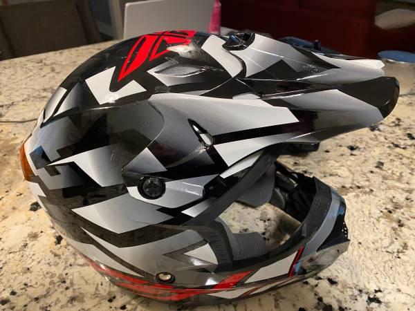 Photo DIRT BIKE  ATV HELMET - $150 (WICHITA)