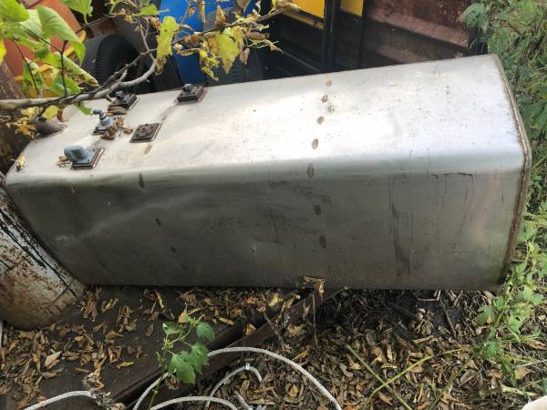 Photo Diesel Fuel Tank - Stainless Steel 135 Gallons - $250 (Hesston)