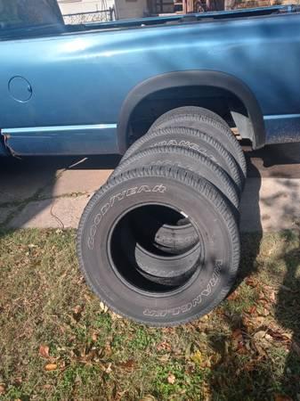Photo Goodyear Wrangler P22575 R17 tires - $50 (wichita)
