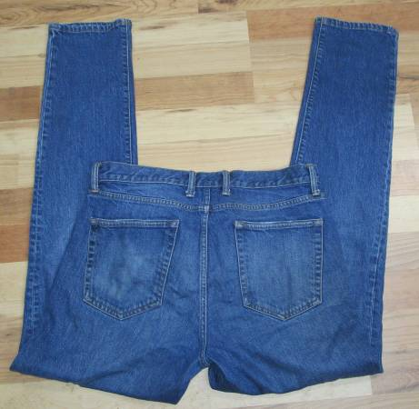 Photo Men39s 33x34 GAP Jeans - $10 (Derby)