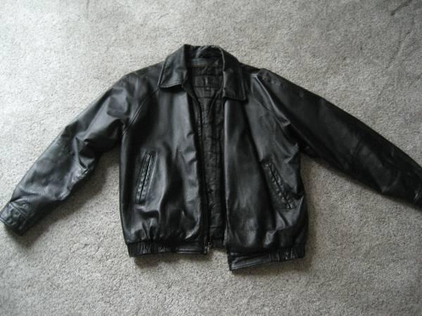Photo Men39s leather jacket Medium - St. Johns Bay - $30 (Derby)