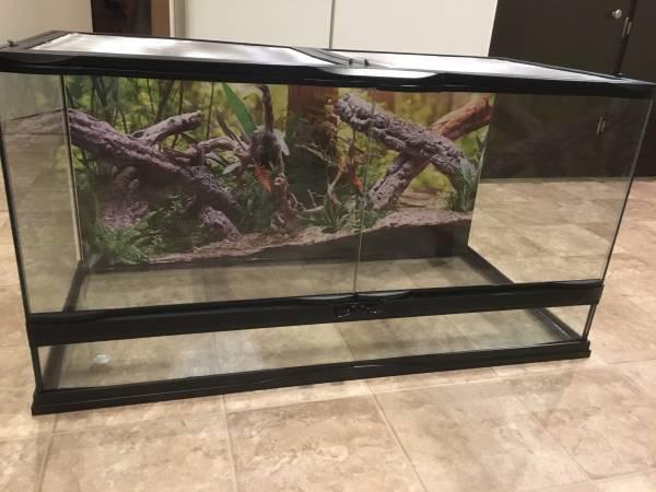 Photo New 40 gal Terrarium and new Humidifier - $150 (Wichita)