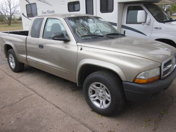 Photo Parting 2004 Dodge Dakota ext cab truck - $25 (Valley Center)