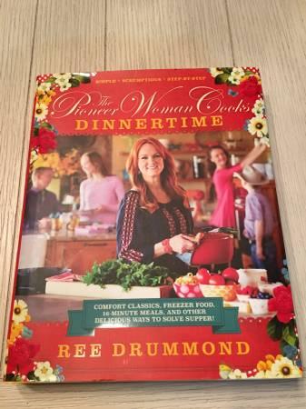 Photo The Pioneer Woman Cooks Dinnertime Cookbook - $12 (Wichita)