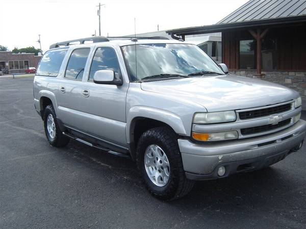 Photo 2004 CHEVROLET SUBURBAN Z71 4WD - $6950