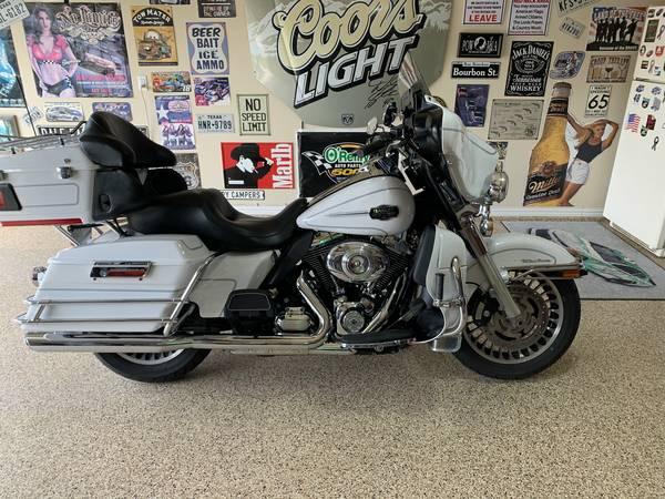 Photo 2013 Harley Davidson Ultra Classic - $14,000 (Fort Worth)