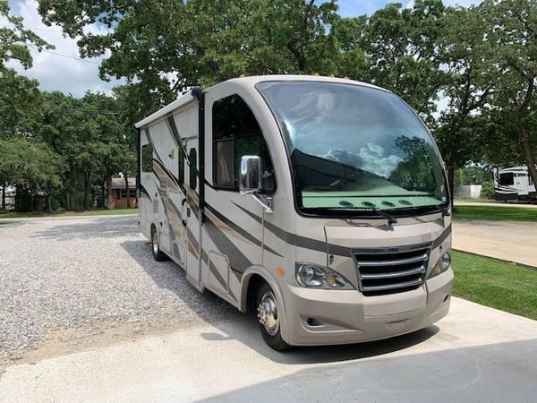 Photo 2015 25ft Class A Motorhome RV - $49,000 (Bowie, TX)
