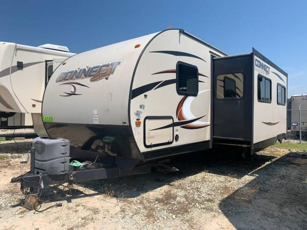 Photo 2015 Connect Travel Trailer Bumper Pull 2 Slides Bunks SAVE - $16,500 (11722 N Hwy 99 Seminole OK)
