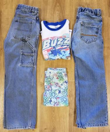 Photo BOYS39 SIZE 8-10 JEANS  TOY STORY PAJAMAS - $5 (Wichita Falls)