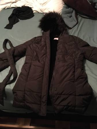 Photo Girls childrens place 1416 fur lined coat - $25 (Wichita Falls)
