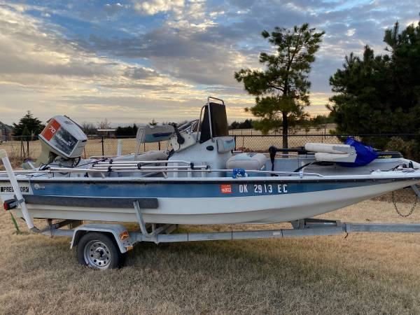 Photo Great boat- Motor needs work - $2,500 (Norman)