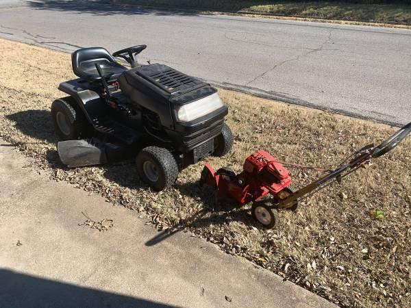 Photo Huskee Riding Lawn Mower - $300 (Wichita Falls)