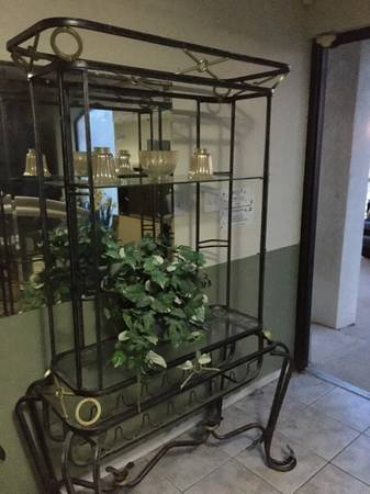 Photo Living room Home decor metal shelves with 3 layer glass shelves 60x 48x20 - $125 (Wichita Falls)