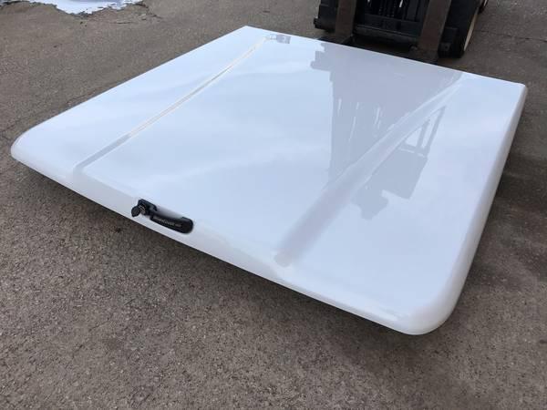 Photo Tonneau cover, truck cover, Bed cover. ( chevy silverado 14-18 ) - $700 (Dallas)
