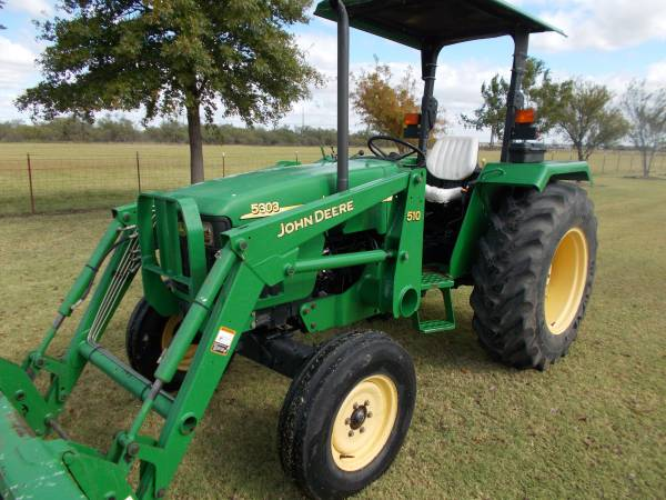 Photo Used 2004 John Deere 5303 Tractor - $16,000 (Wichita Falls)