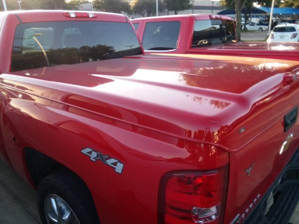 Photo bed cover, truck cover, tonneau cover ( chevy silverado 07-13 ) - $550 (Dallas tx)