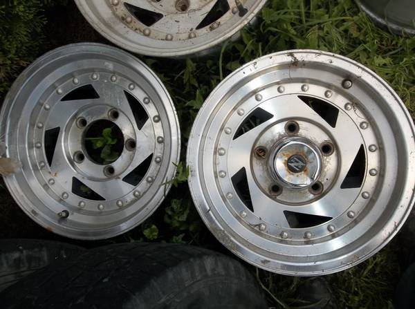 Photo 15x8 aluminum wheels ford truck-bronco-van - $140 (pottsgrove)