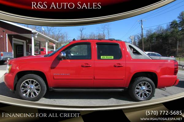 Photo 2011 CHEVY AVALANCHE 4X4 73K EXCL COND AND LEATHER (ALL CREDIT OK) - $23,995 (JS RS RT 220)
