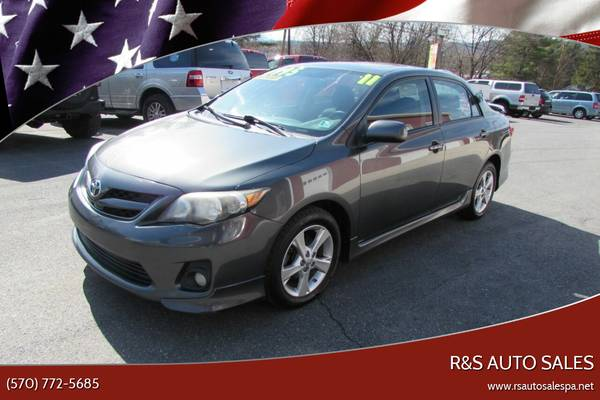 Photo 2011 TOYOTA COROLLA 5 SPEED CLEAN GAS SAVER (ALL CREDIT OK) - $6995 (JS RS RT 220)