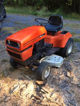 Photo Ariens GT 14 riding mower garden tractor- with manual (Lewistown PA)