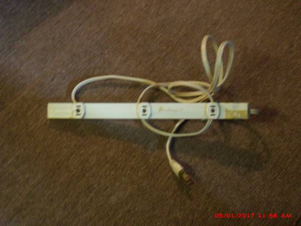 Photo ELECTRICAL POWER STRIP -- TAP - A - LINE --- VINTAGE and COLLECTABLE - $3 (EPHRATA, PA.)