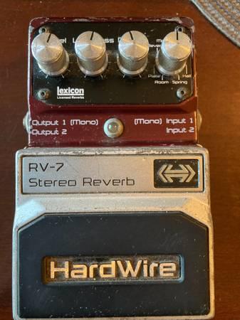 Photo Hardwire RV-7 Stereo Reverb - $125 (Danville)
