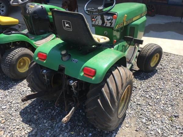 Photo John Deere 400 garden tractor mower - $1,999