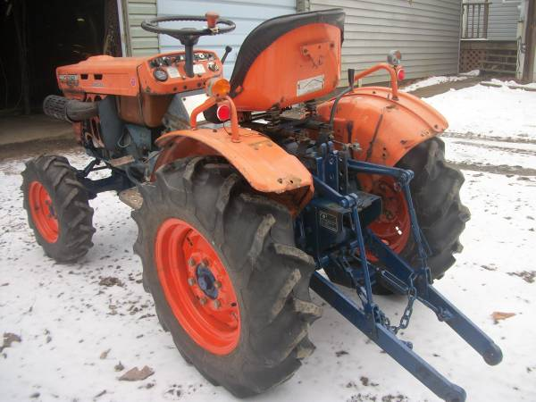 Photo Kubota B7100 HST - $3400 (Reynoldsville)