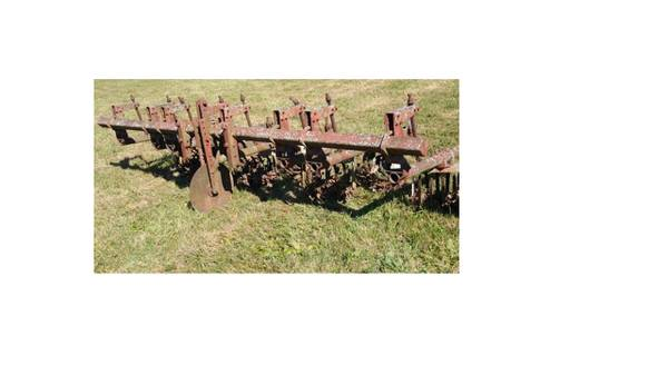 Photo Lillston Rolling Cultivator, 4 row 3pth - $975 (Lock Haven)