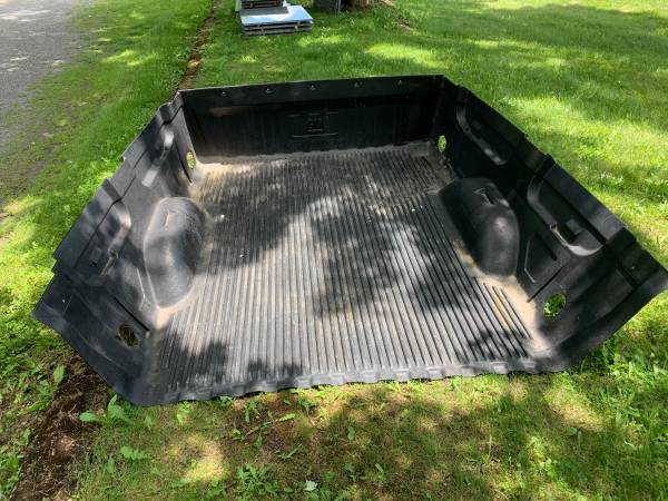 Photo Short Bed Liner for Chevy Truck - $25 (Avis)