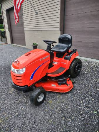 Photo Simplicity Lawn Tractor - $1,500 (Trout Run)