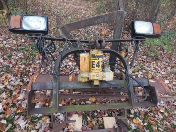 Photo meyers snow plow - $650 (Middleburg)