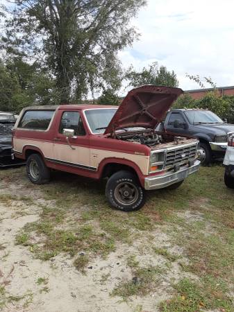 Photo 1986 ford bronco - $3,000 (Wilmington nc)