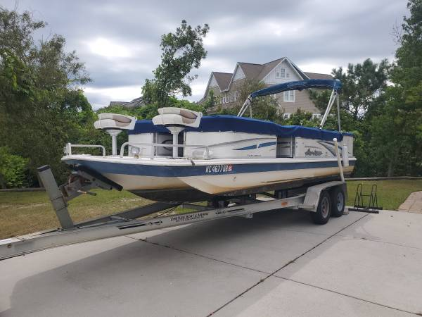 Photo 2005 Hurricane Deck Boat with 150HP Johnson Salt Water Motor  Trailer - $13,500 (Hstead)