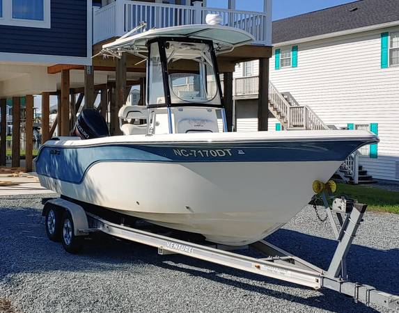 Photo 2011 Sea Fox 236cc Pro Series Center Console - Suzuki 200 - $34,900 (Surf City)