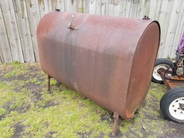 Photo 500 Gallon Steel Oil  Fuel Tank - $250 (Wilmington)